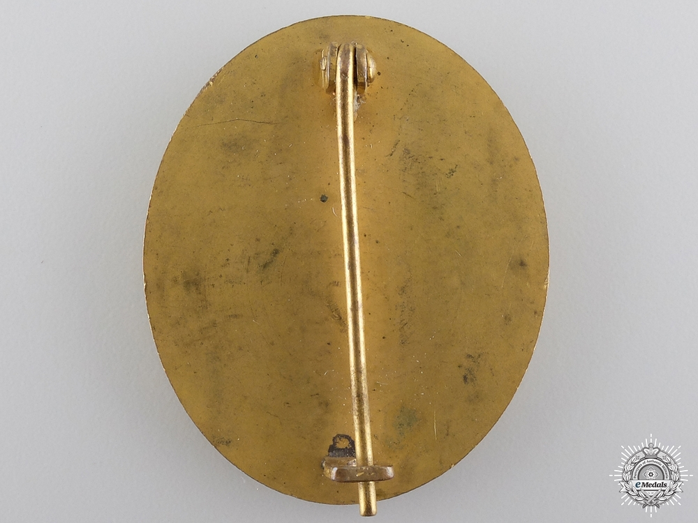 A Cased Gold Grade Wound Badge by B.H. Mayer