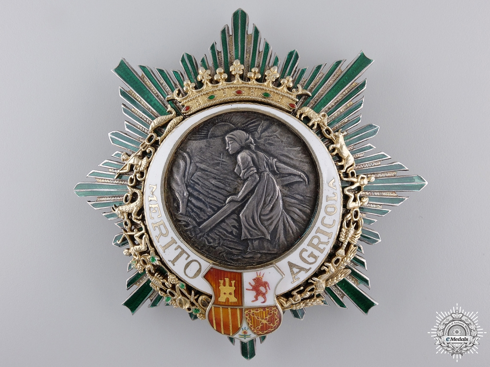 A Spanish Order of Agricultural Merit; Breast Star Set