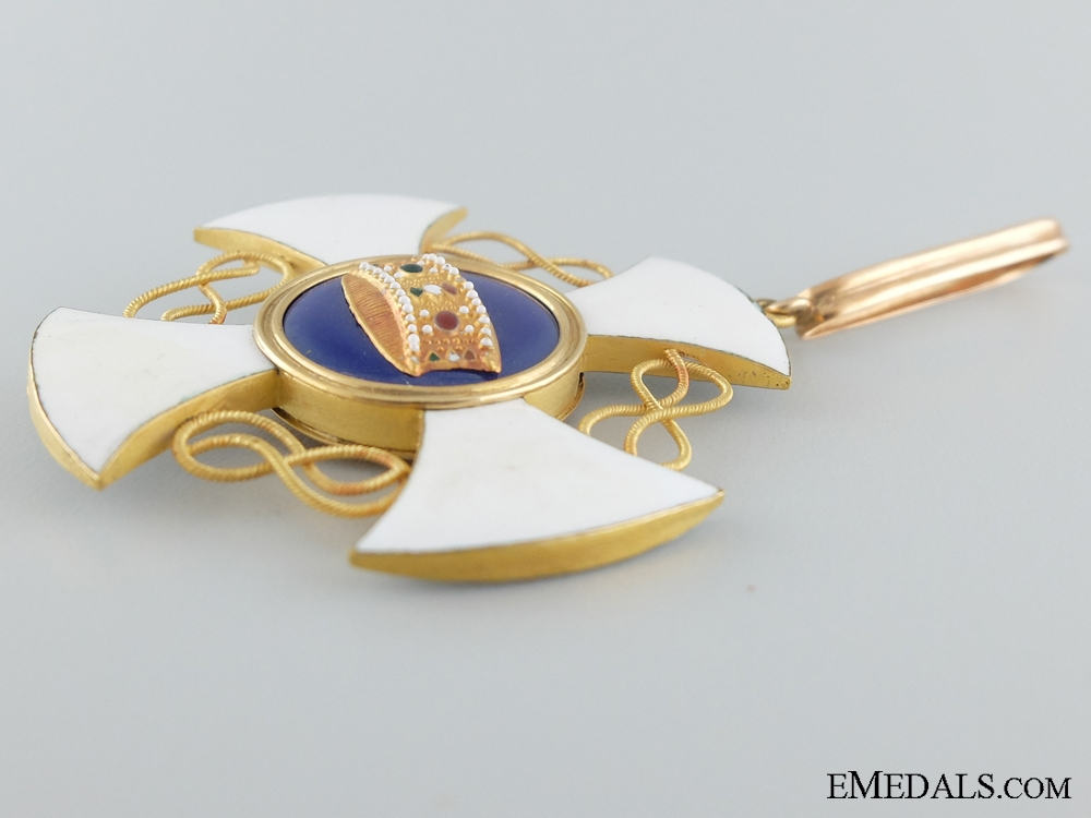 An Italian Order of the Crown in Gold; Commander