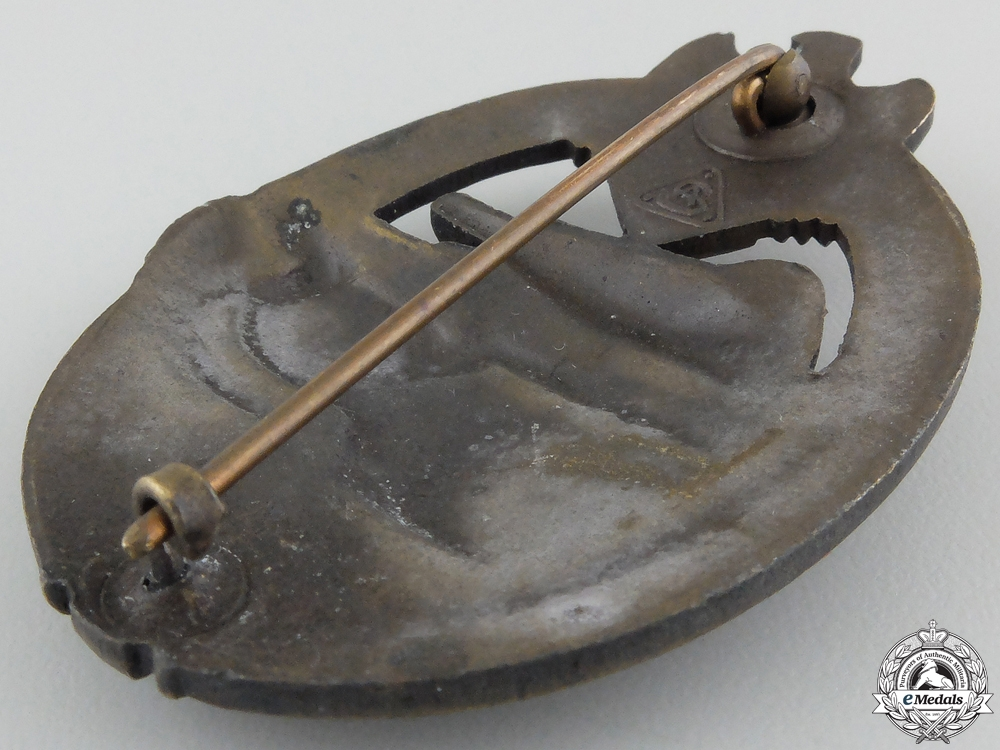 A Bronze Grade Tank Badge by Adolf Scholze
