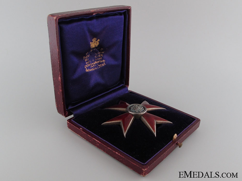 """Order of the Griffin - Officer""""¢¯s Cross"""