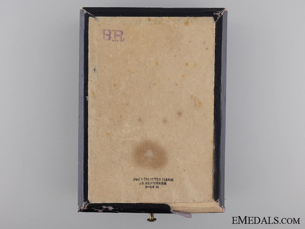A First War Issue Order of Franz Joseph by V. Mayer; Officer's Cross