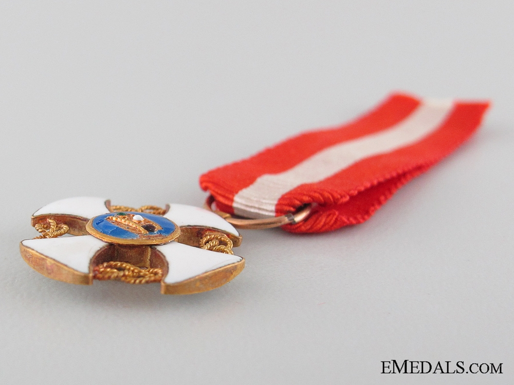 The Italian Order of the Crown: Commander's Cross