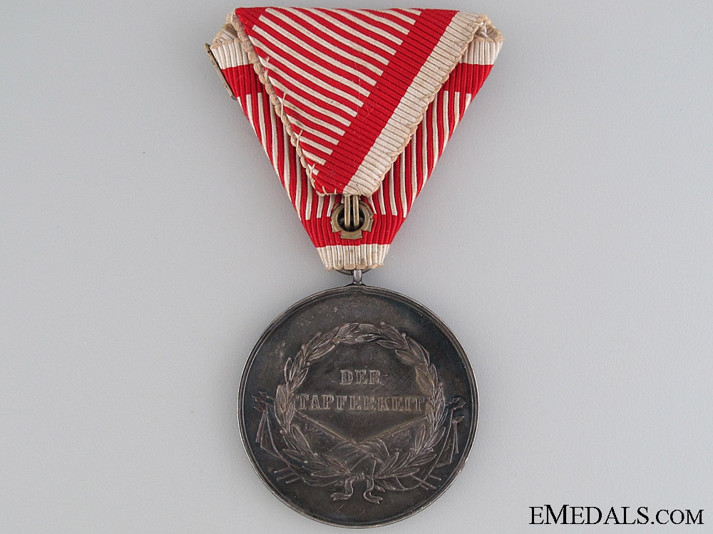Silver Bravery Medal First Class