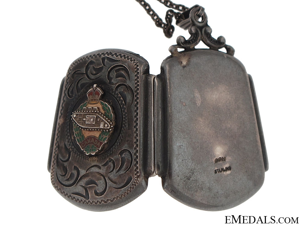 WWII Canadian Armoured Corps Locket