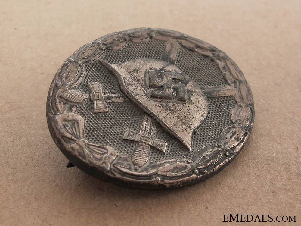 Wound Badge – Silver G. maker 4