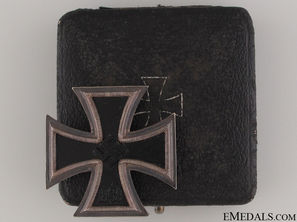 Iron Cross First Class 1939 by Klein & Quenzer