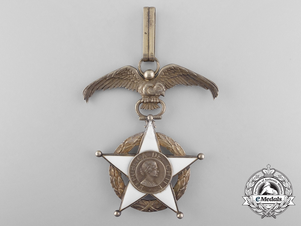 A Chilean Order of Merit; 2nd Class Set; 1939 Model