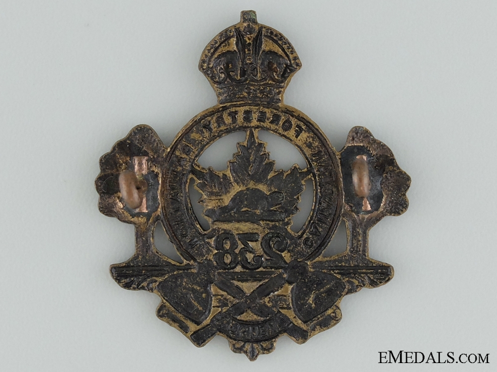 """WWI 238th Infantry Battalion """"Canadian Forestry Battalion"""" Cap Badge"""