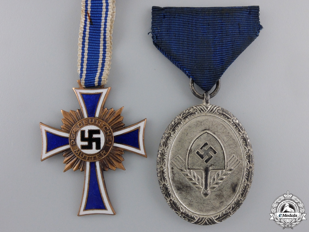 Two Second War Period German Awards