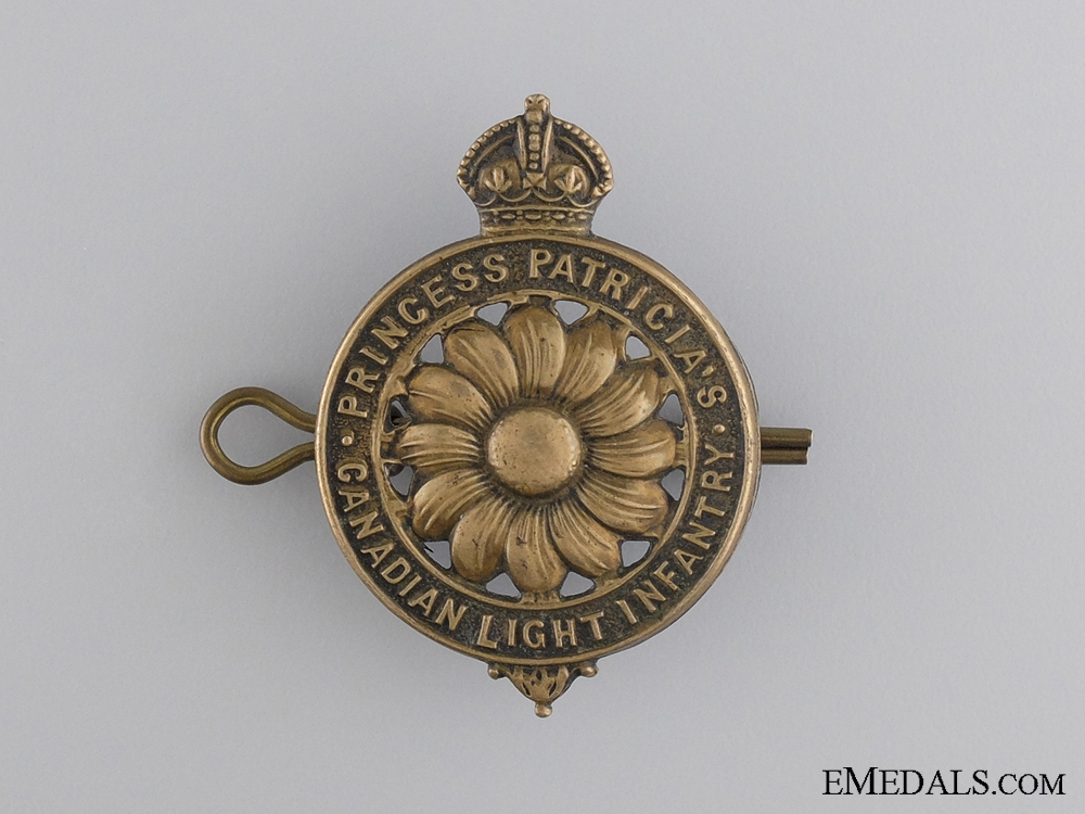 WWI Princess Patricia's Canadian Light Infantry Cap Badge