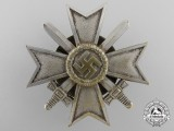 A War Merit Cross 1st Class with Swords by Juncker (L/12); Screwback