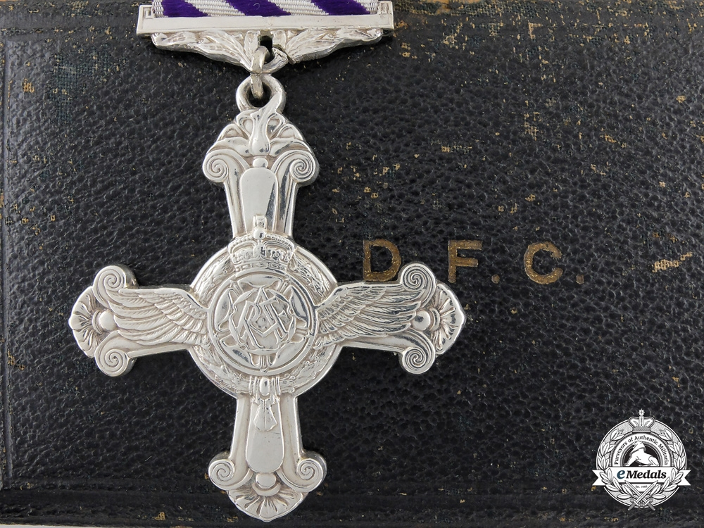 eMedals-A 1945 Second War Distinguished Flying Cross with Case