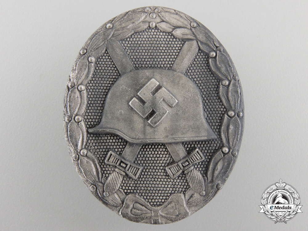 eMedals-A Silver GradeWound Badge byKlein & Quenzer