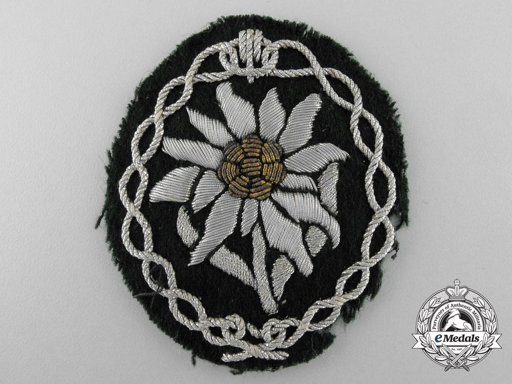 eMedals-Germany. A Uniform Removed Army Gebirgsjäger Officer's Arm Badge