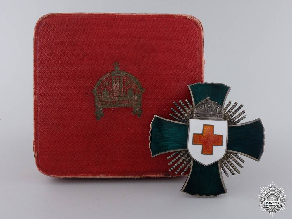 eMedals-A 1922 Hungarian Red Cross Decoration