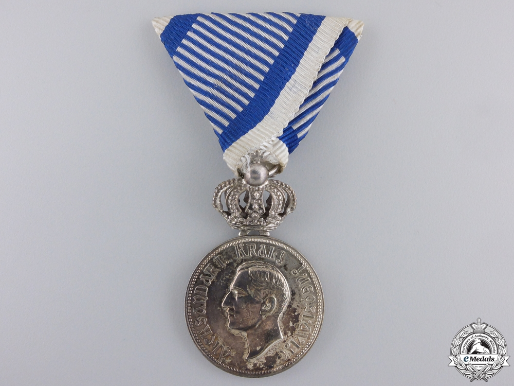 eMedals-A 1929-1934 Royal Yugoslavian Household Service Medal with Crown