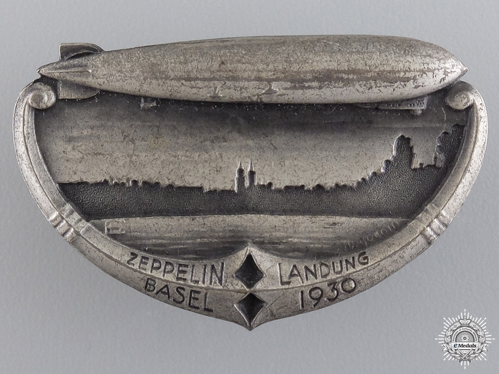eMedals-A 1930 Swiss Zeppelin Landing in Basel Badge