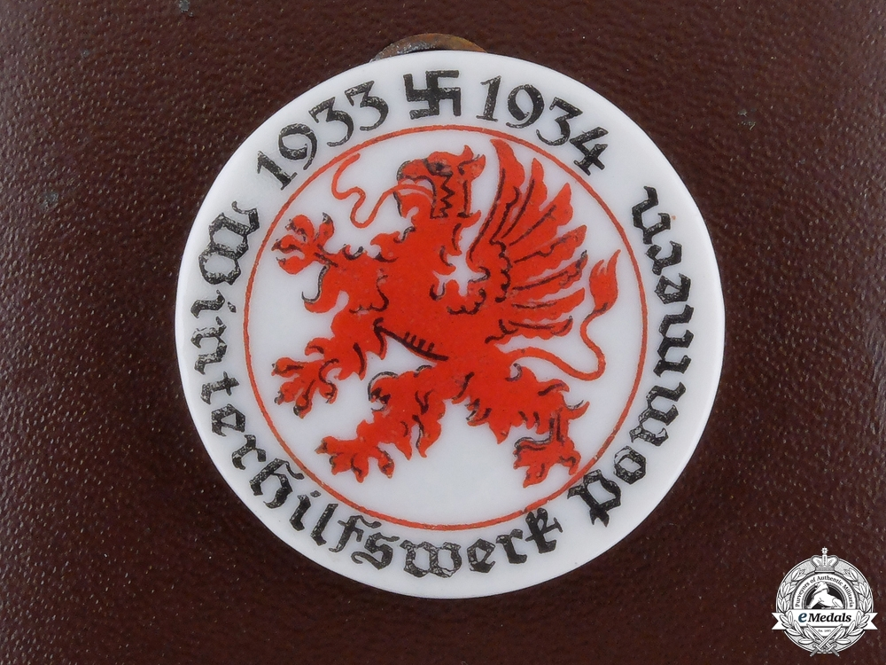 eMedals-A 1934 Pomerania Day Badge with Case