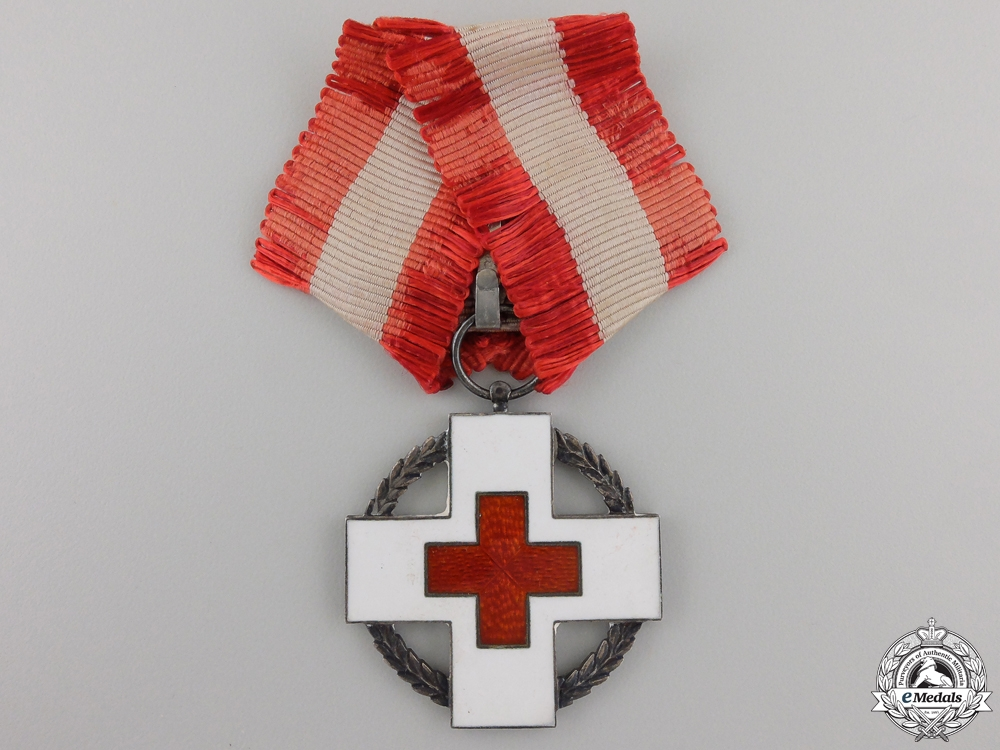 eMedals-A 1939-45 Dutch Red Cross Decoration