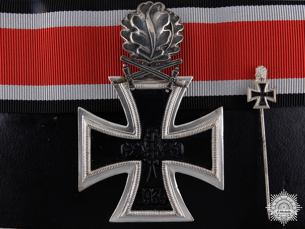 eMedals-A 1957 Knight's Cross of the Iron Cross with Swords and Oak Leaves