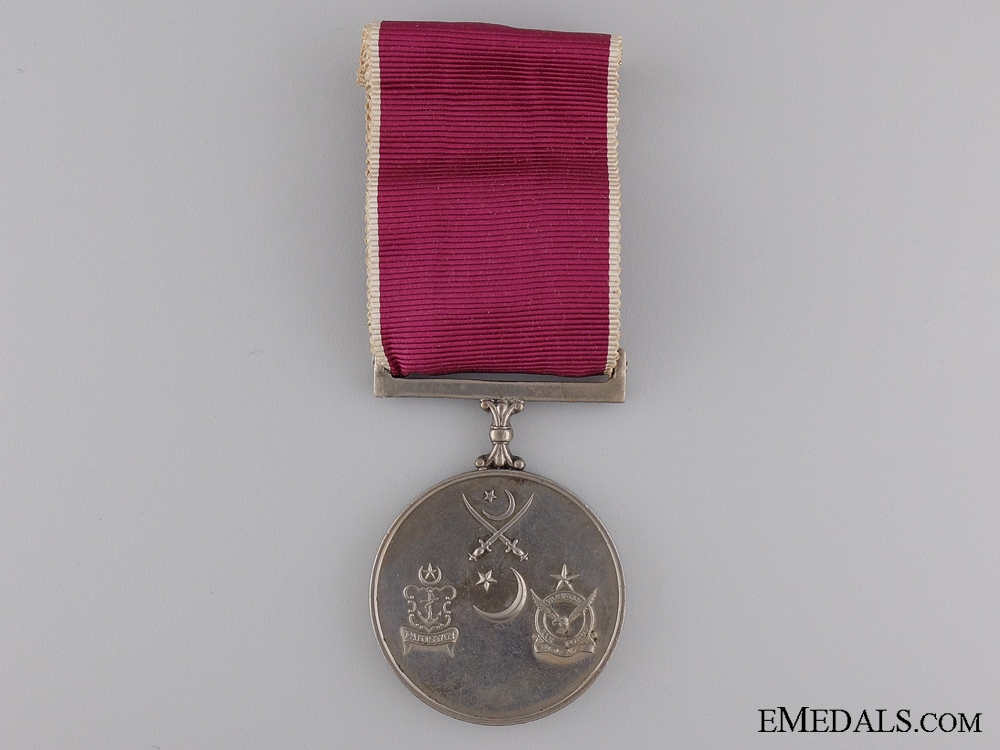 eMedals-A 1965 Indo-Pakistani War Medal (1375 Tamgha-I-Jang)