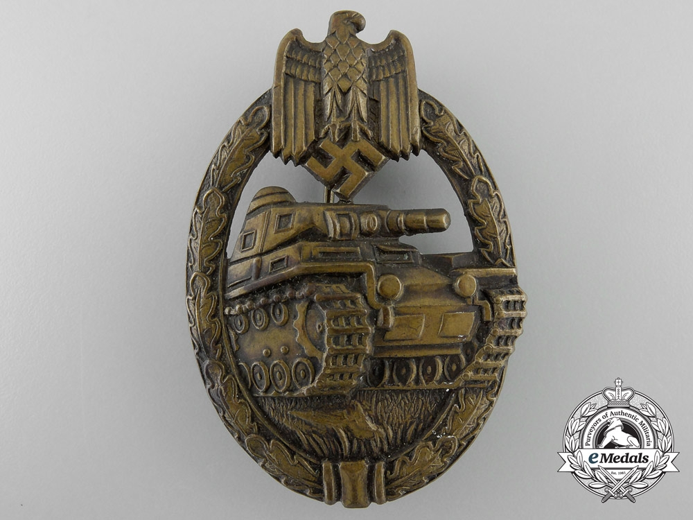 eMedals-Germany. A Panzer Badge, Bronze Grade, c.1939
