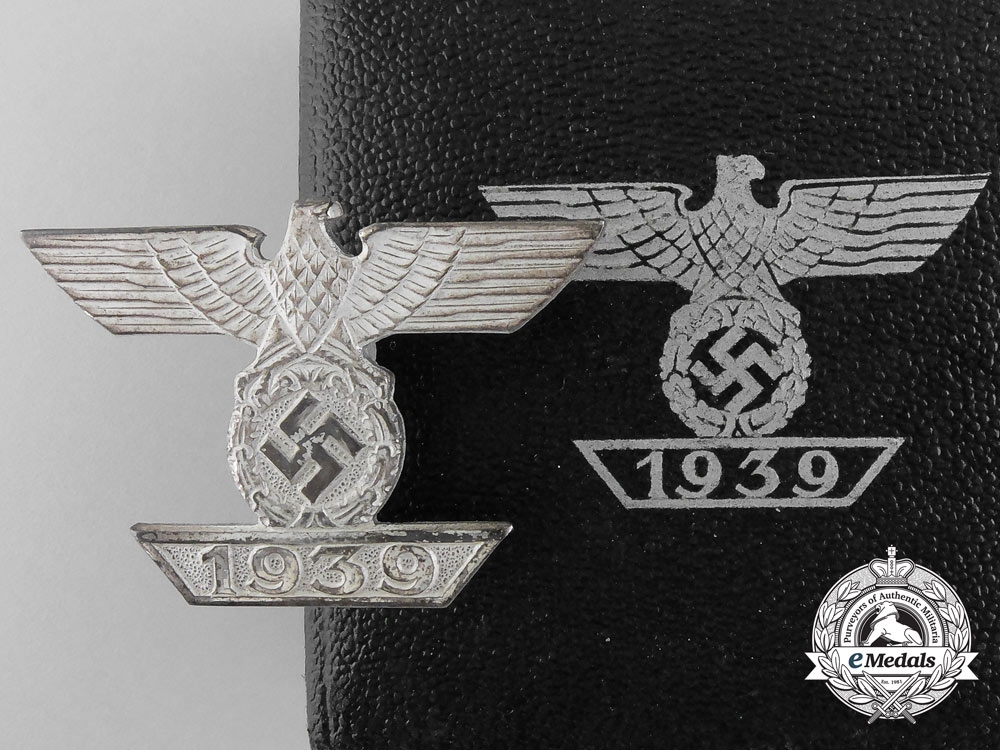 eMedals-A Mint Clasp to the Iron Cross 1939 by B.H. Mayer; 1st Class with Case