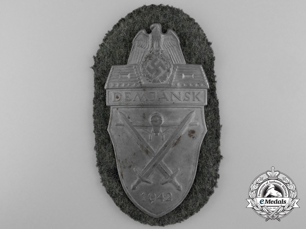 eMedals-An Army Issue Demjansk Campaign Shield