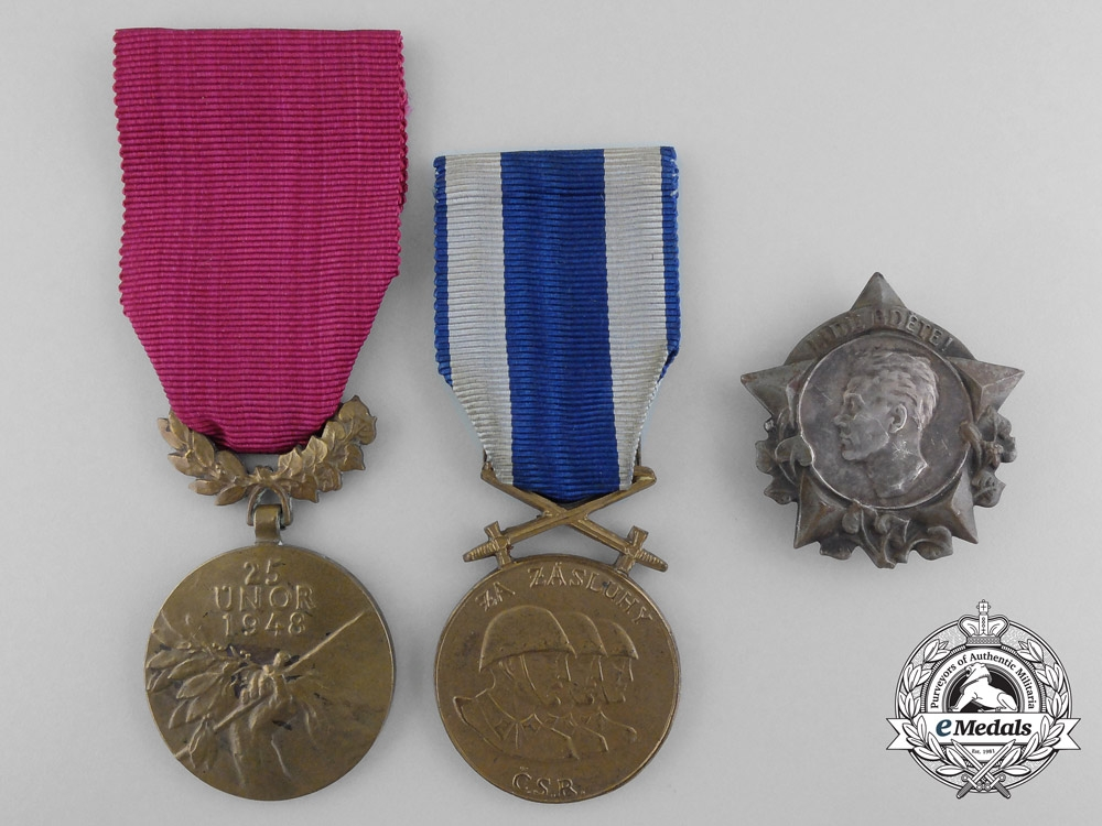 eMedals-Czechoslovakia, Socialist Republic. Three Medals and Decorations