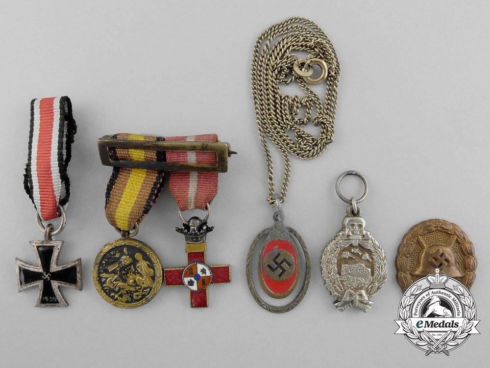 A lot of second war spanish civil war miniature awards for Awards decoration