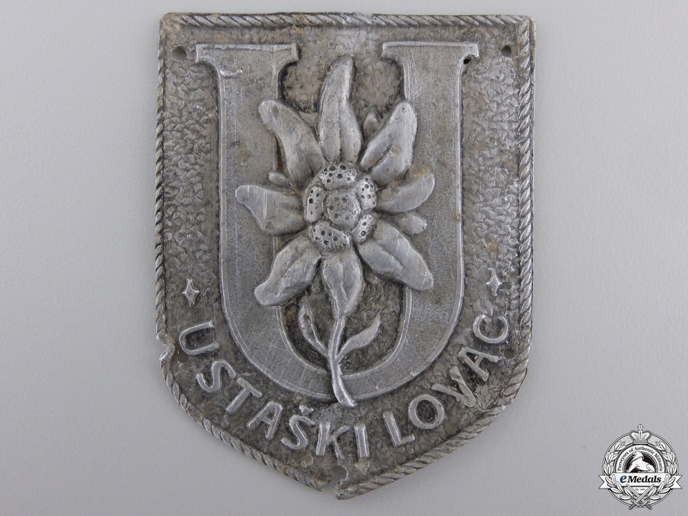 eMedals-A  Ustaski Lovac Arm Badge of the Ustasha Rifleman's Brigade