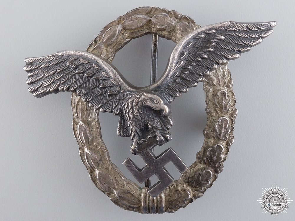 eMedals-A Austrian Made Pilot's Badge by Brüder Schneider