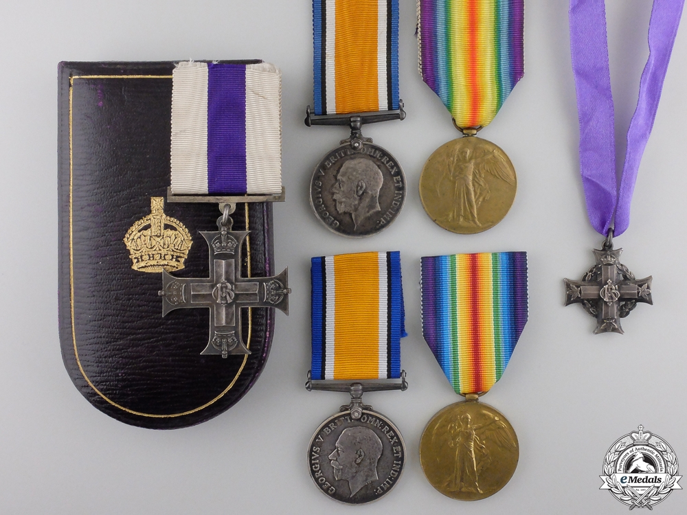 eMedals-A Canadian Military Cross for Rescuing Wounded in the Field