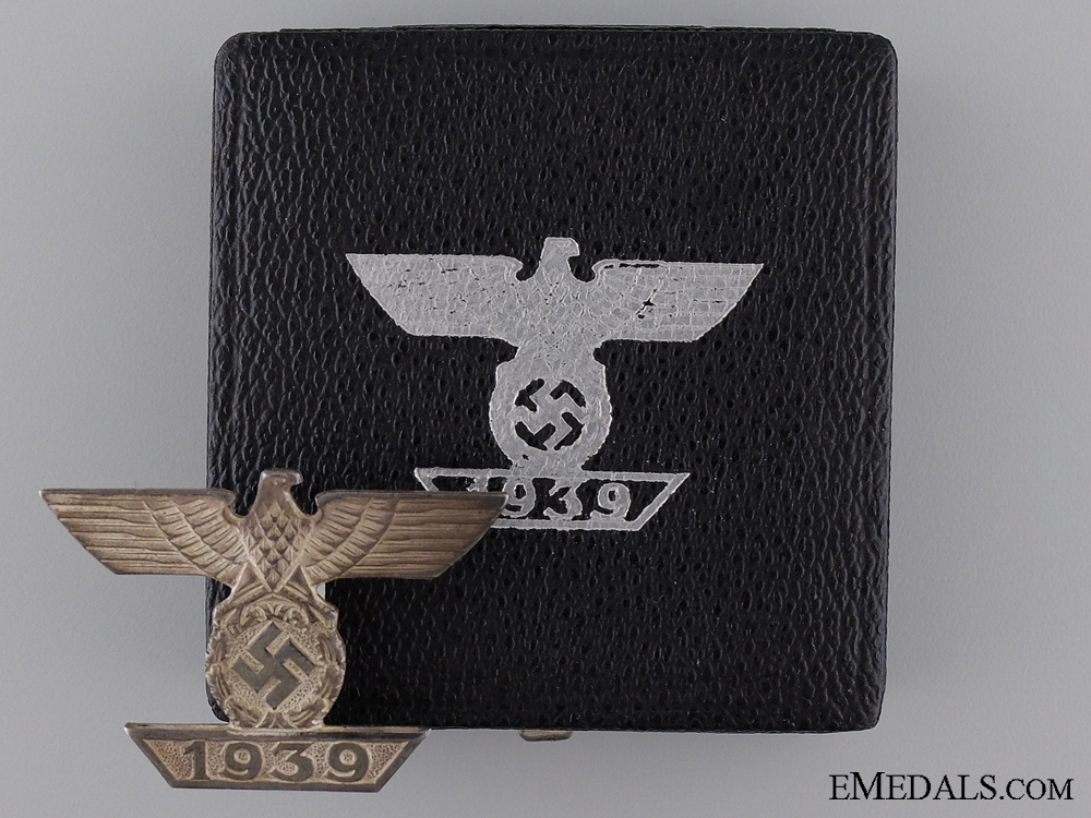 eMedals-A Cased Clasp to the Iron Cross 1939