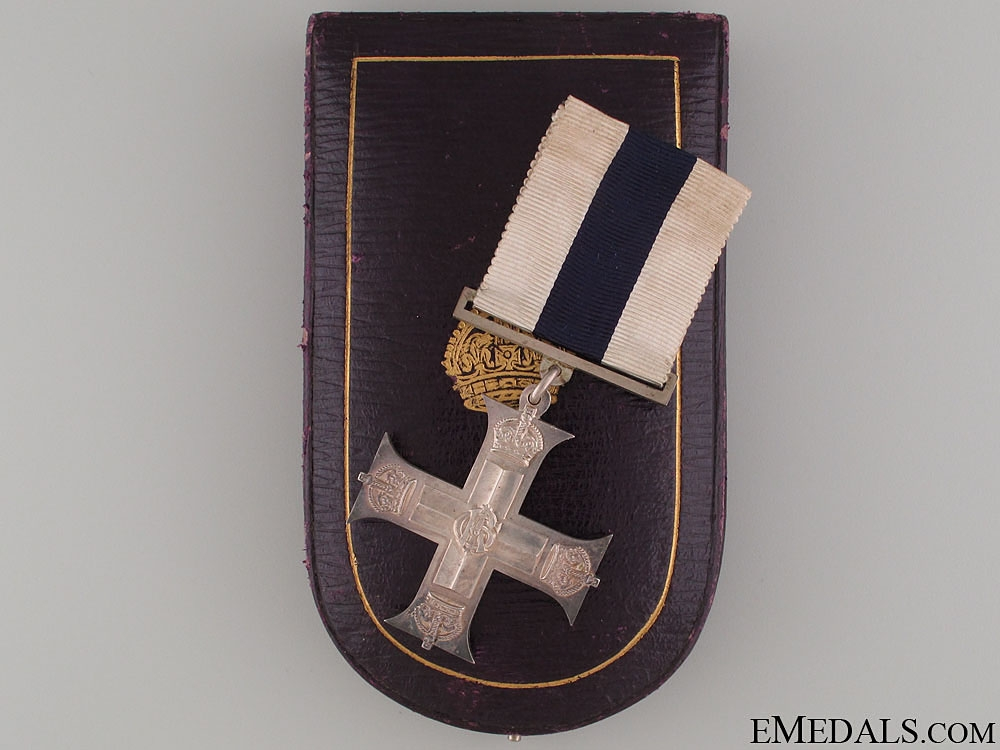eMedals-A Cased WWI Issue Military Cross