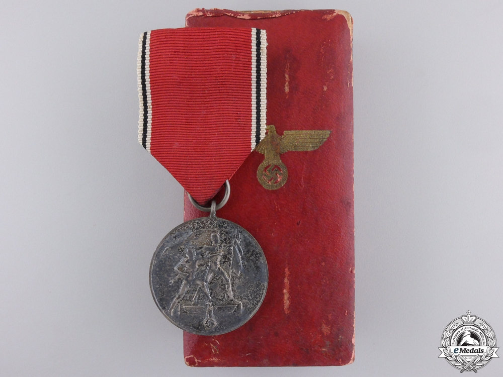 eMedals-A Commemorative Medal for 13 March 1938 with Case