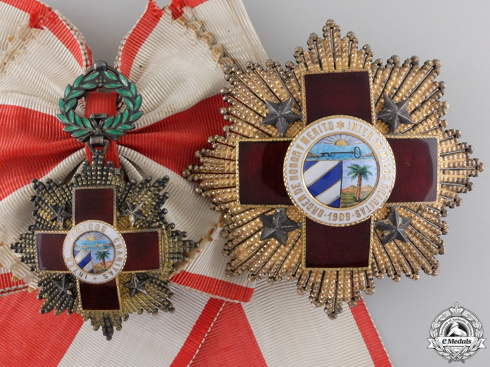 eMedals-A Cuban Red Cross Order; Grand Cross by B.Castells of Barcelona