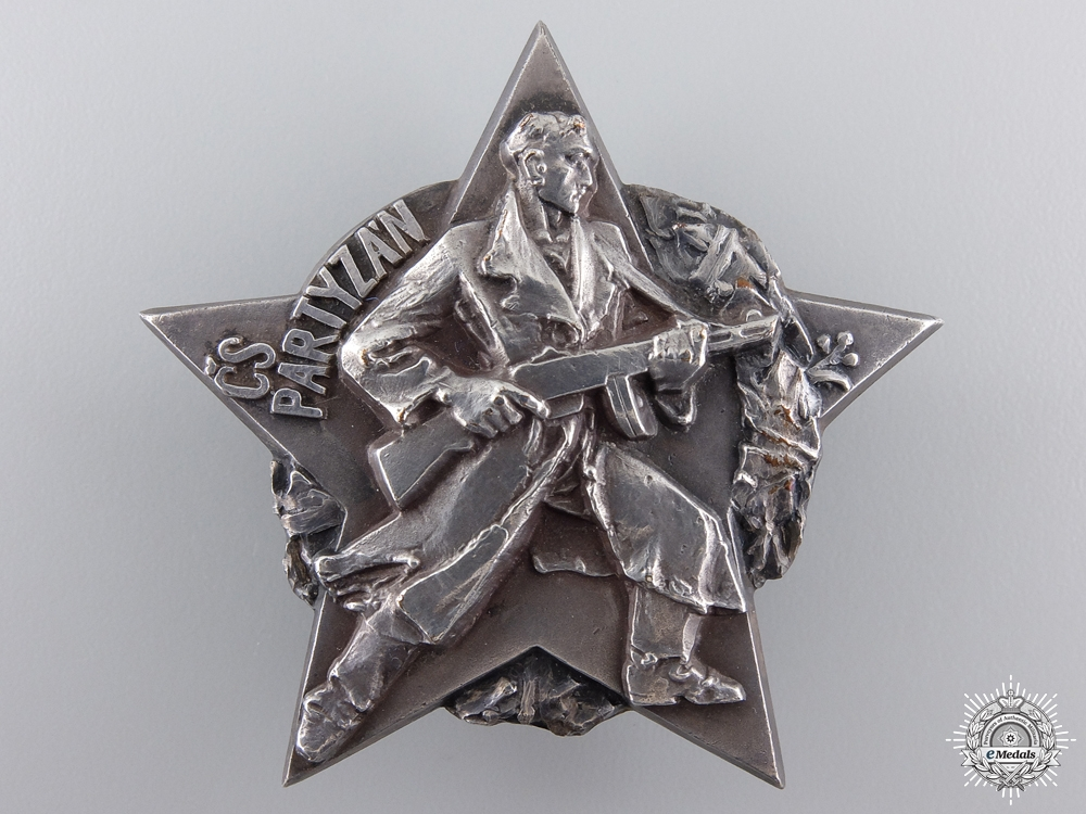 eMedals-A Czechoslovakian (CSSR) Partisan Decoration in Silver