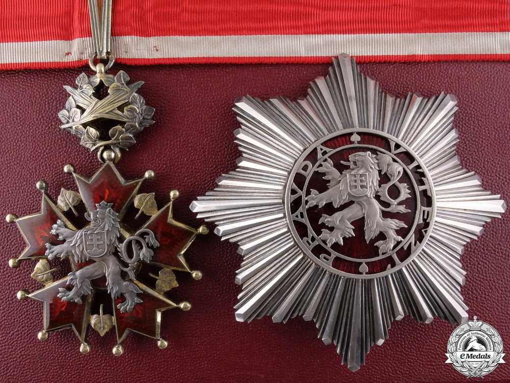eMedals-A Czechoslovakian Order of the White Lion; Grand Officer with Original Case