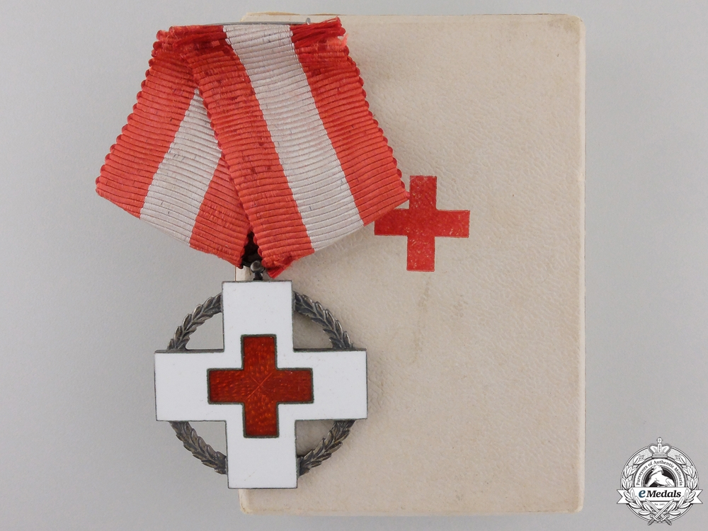 eMedals-A Danish Red Cross Decoration with Case