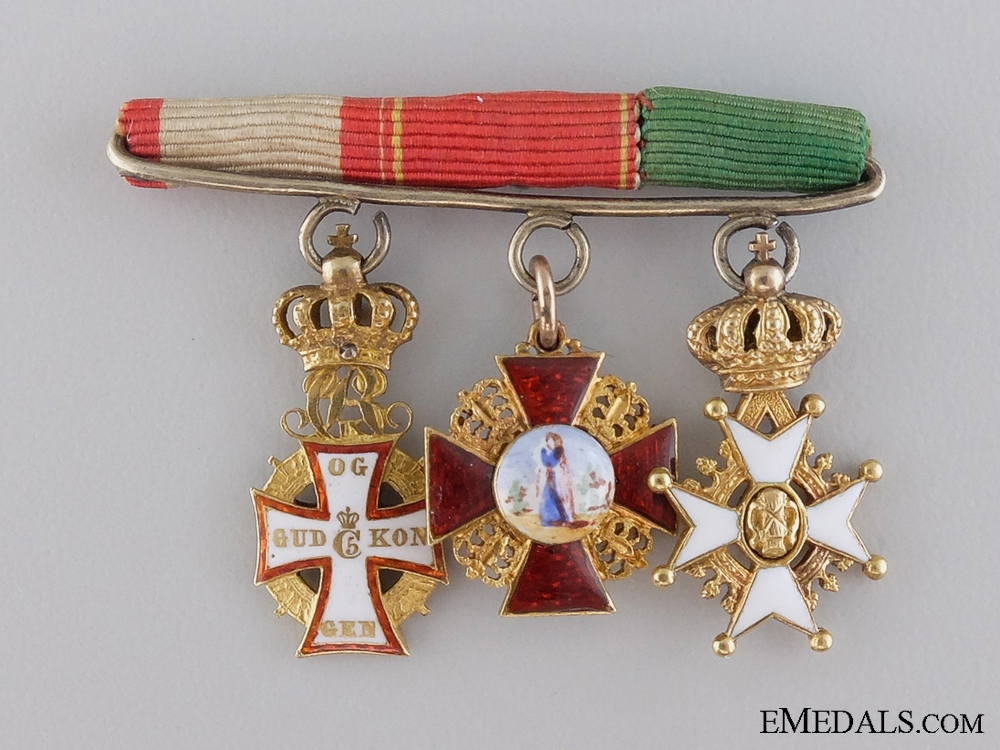 eMedals-Denmark. A Fine Miniature Diplomatic Group in Gold, c.1905