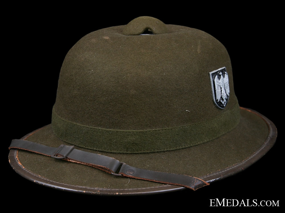 eMedals-A First Model Wehrmacht Pith Helmet 1942