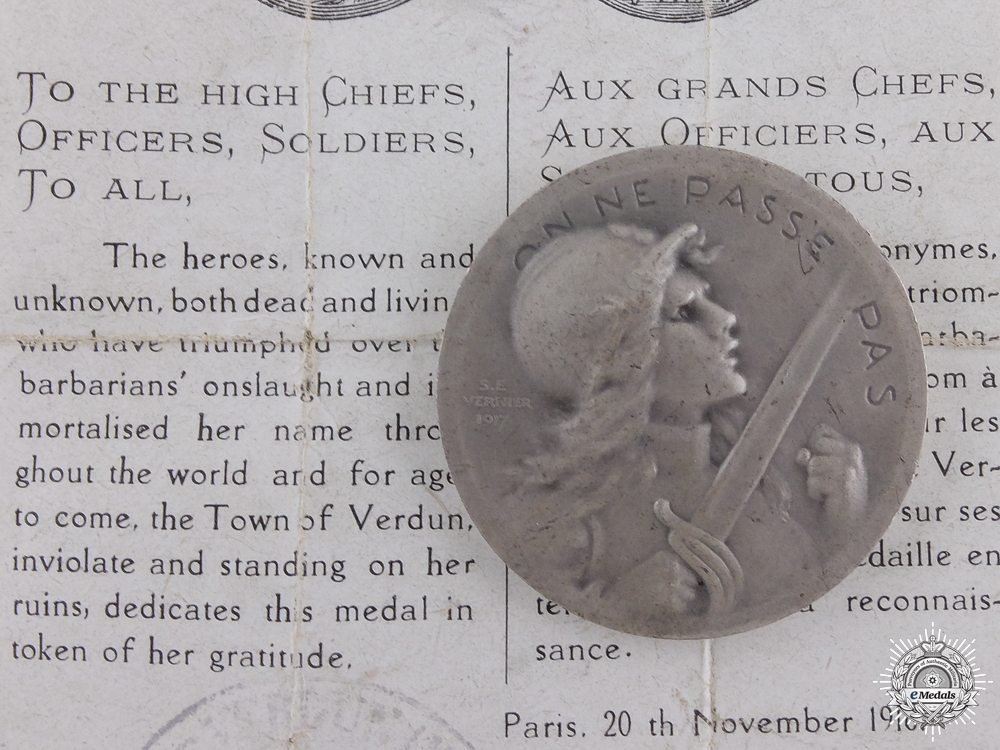 eMedals-A First War French Verdun Medal with Document; 1916