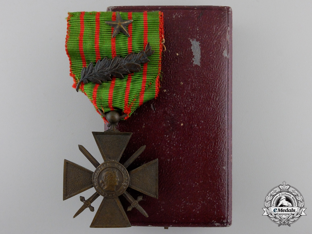 eMedals-A First War French War Cross 1914-1918 with Case