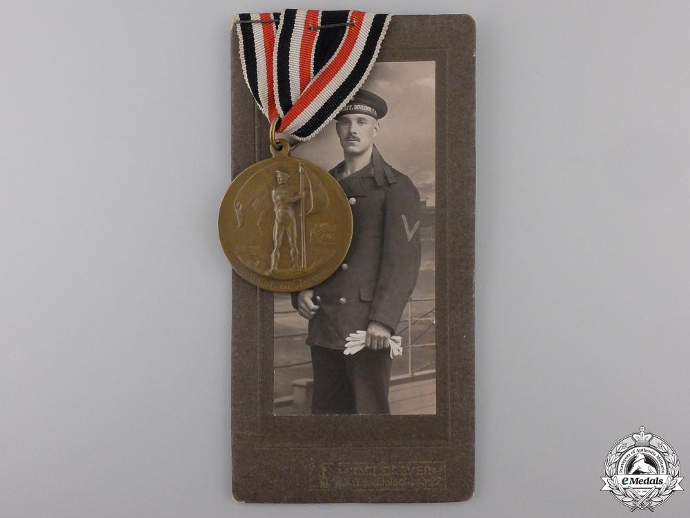 eMedals-A First War German Naval League Bravery Medal & Photograph