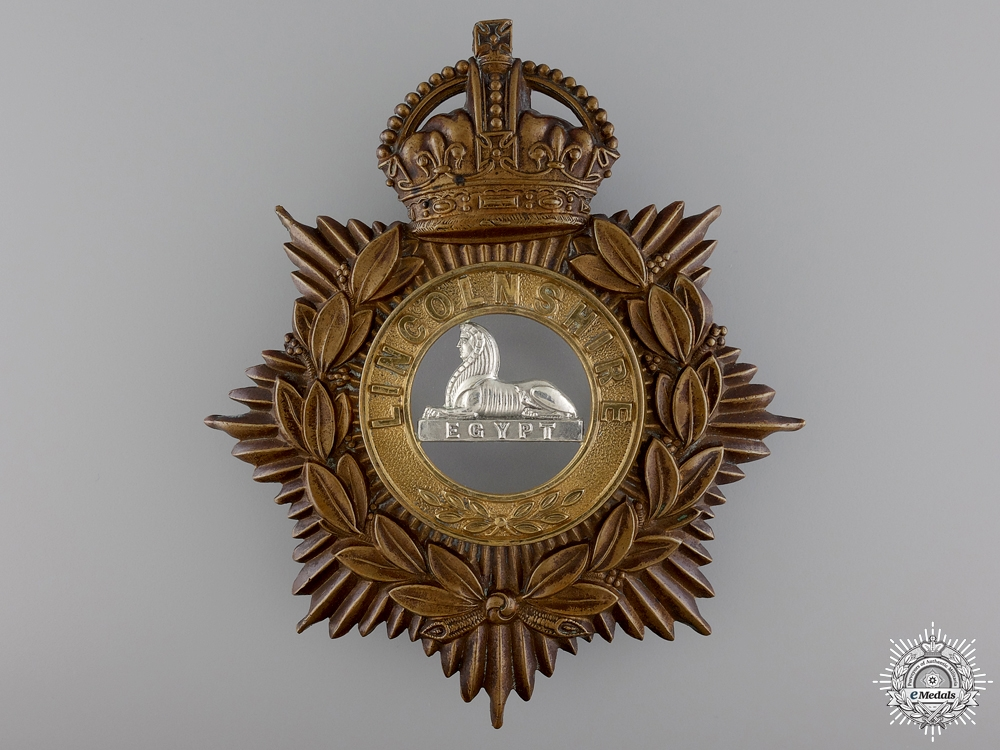 eMedals-A George V Lincolnshire Helmet Plate