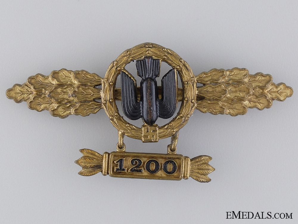 eMedals-A Gold Bomber Pilot's Clasp with 1200 Hanger by M. Kunststoff, Gablonz
