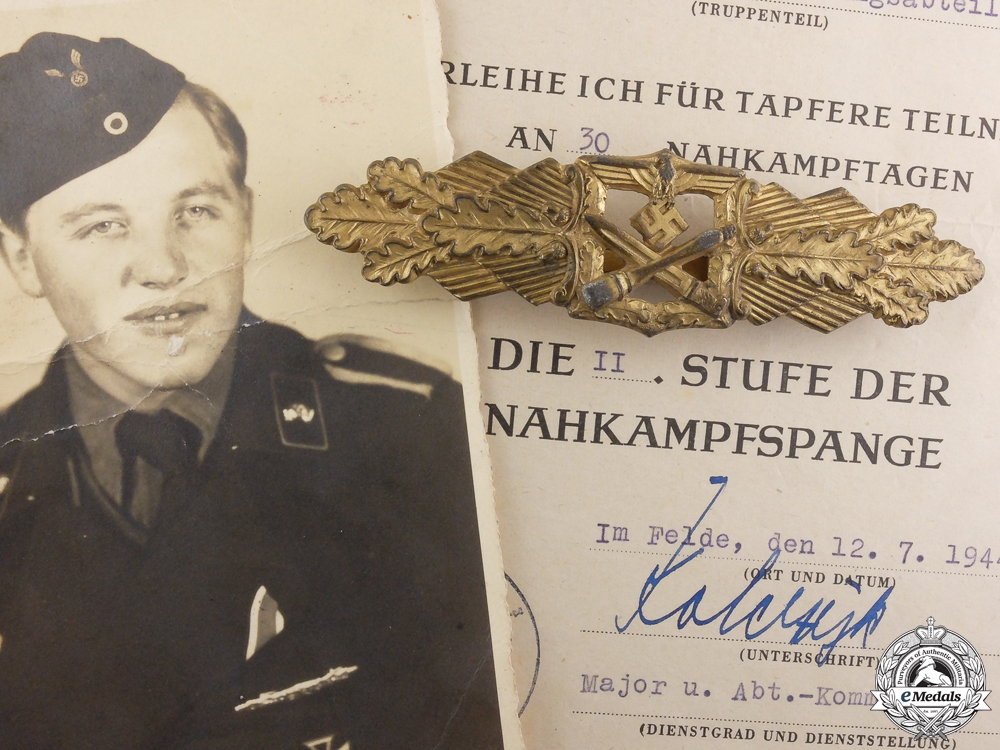 eMedals-A Gold Grade Close Combat Clasp & Document to the 3rd Panzer Regiment