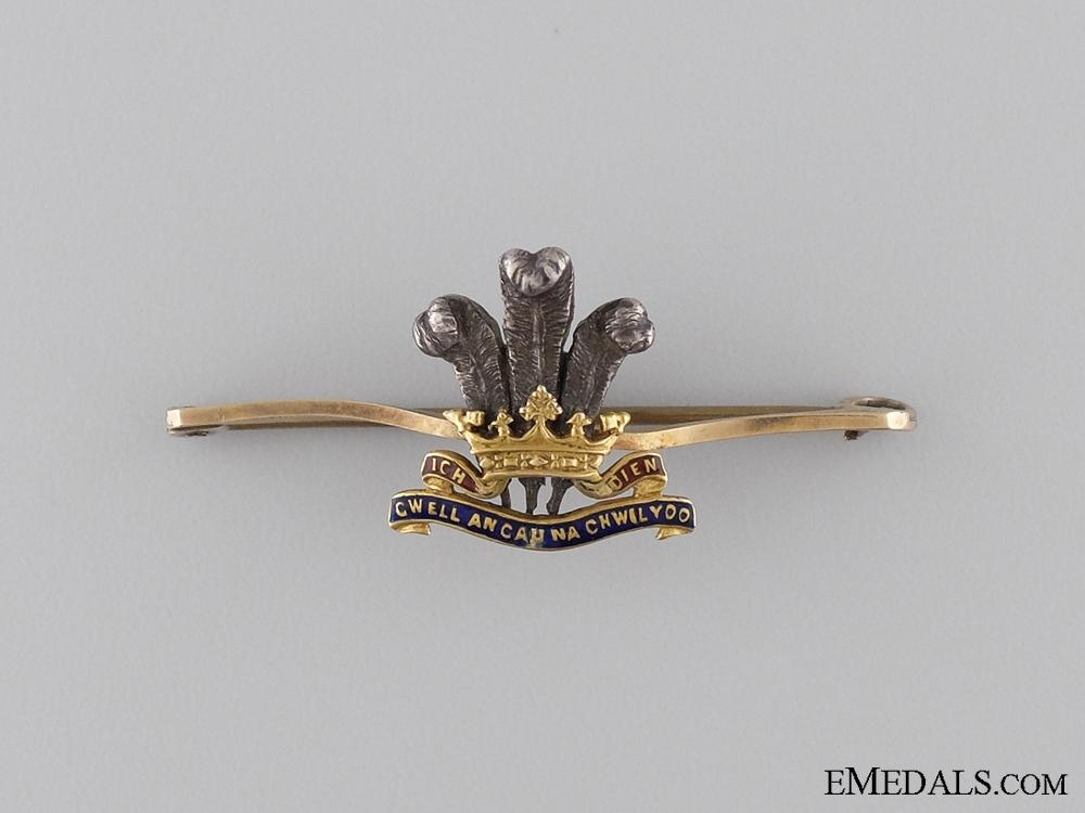 eMedals-A Gold Royal Regiment of Wales Pin